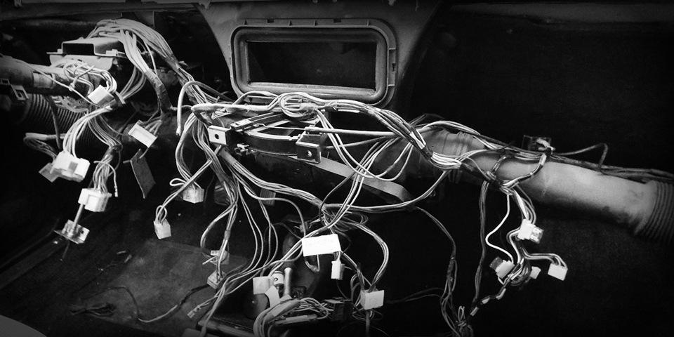 Как заменить проводку в собственной квартире